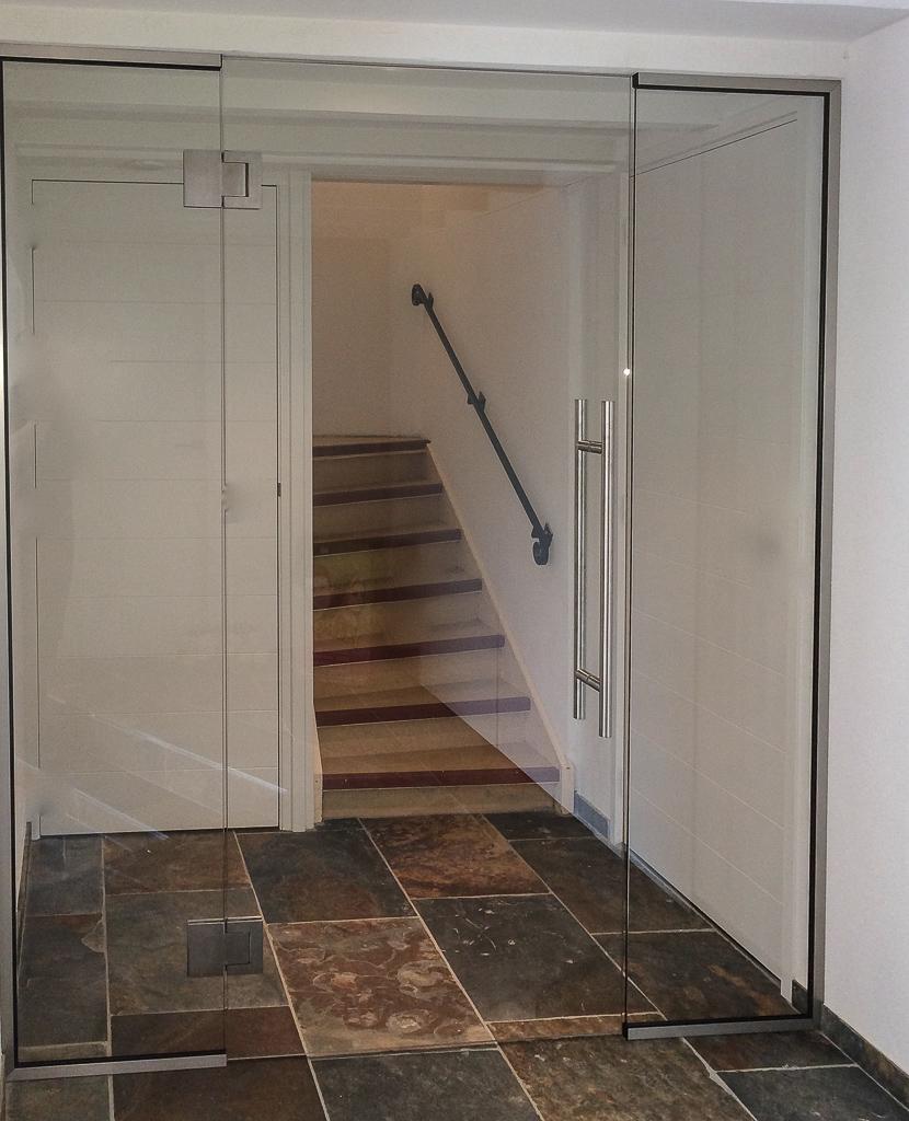 Binnendeur met 2 zijlichten en RVS scharnieren met 90gr stand en soft-close functie
